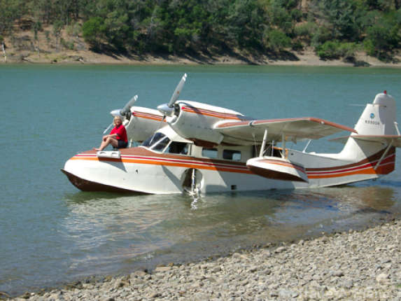 The G-44 Widgeon for sale at US$199,500. Sun, surf and fun with a heritage.