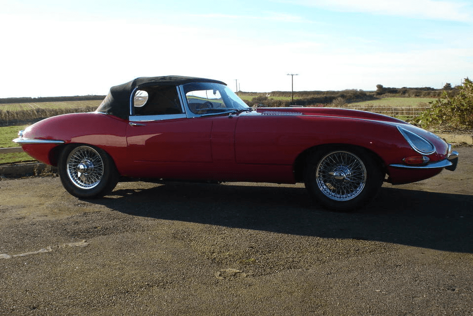 1961 Jaguar E-Type 'Flat Floor' Roadster-6