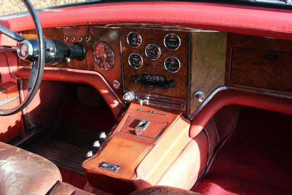 "The ""engineer's dashboard"" of a Facel Vega seems to wrap itself around the driver."