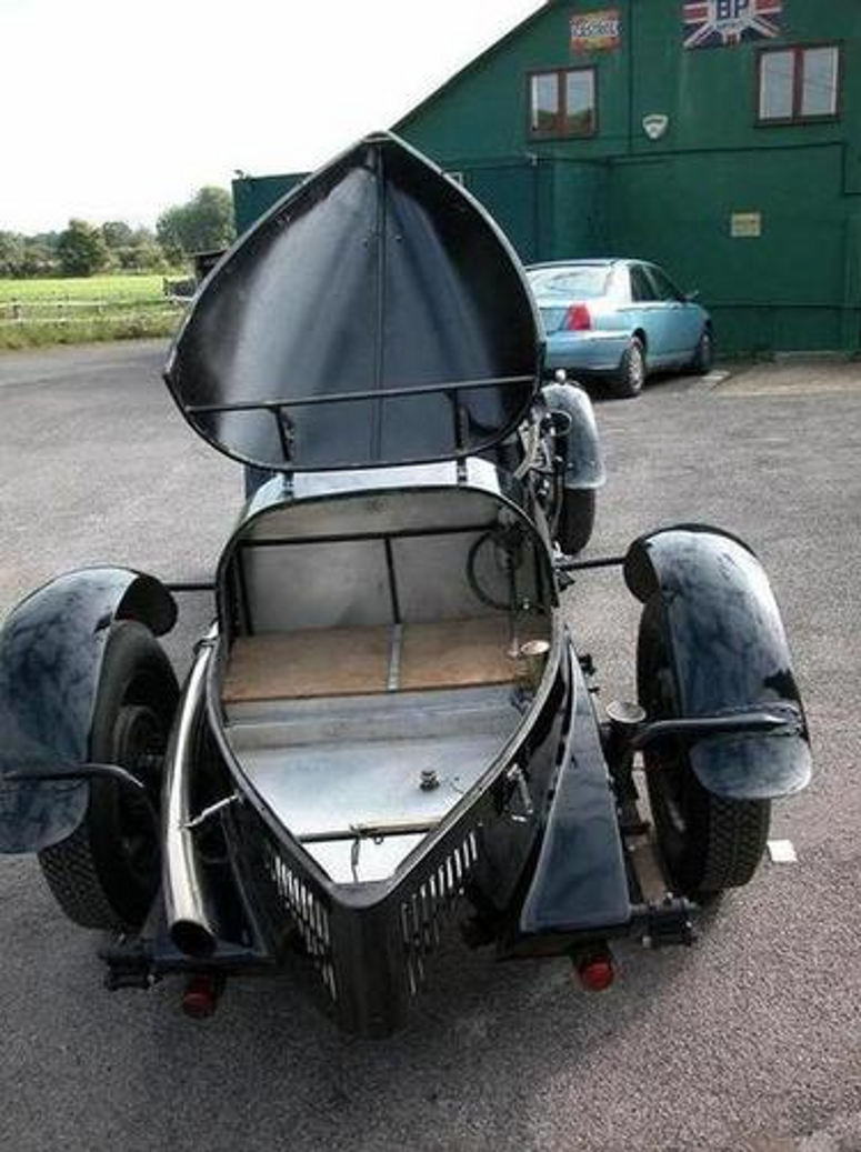 A race track ready vintage Bentley with usable boot space.