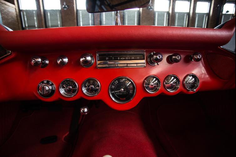 1957_Chevrolet_Corvette-9