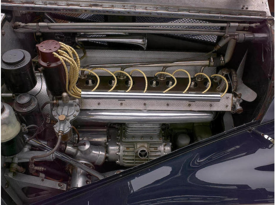 The Roots supercharged engine of the Bugatti 57C.