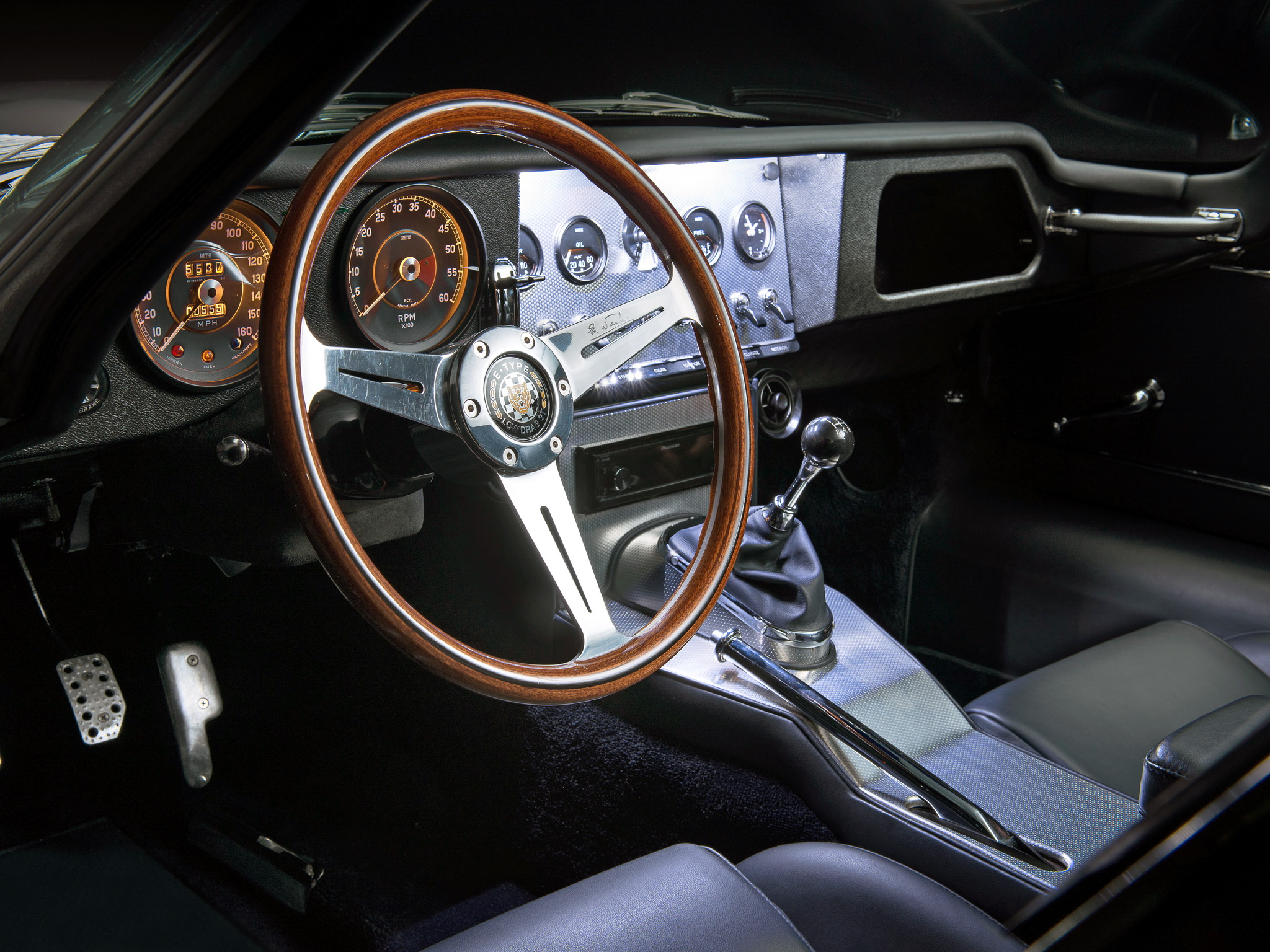The place to be, the cockpit of the Eagle Low Drag GT. (Picture courtesy of wallpaperup.com)