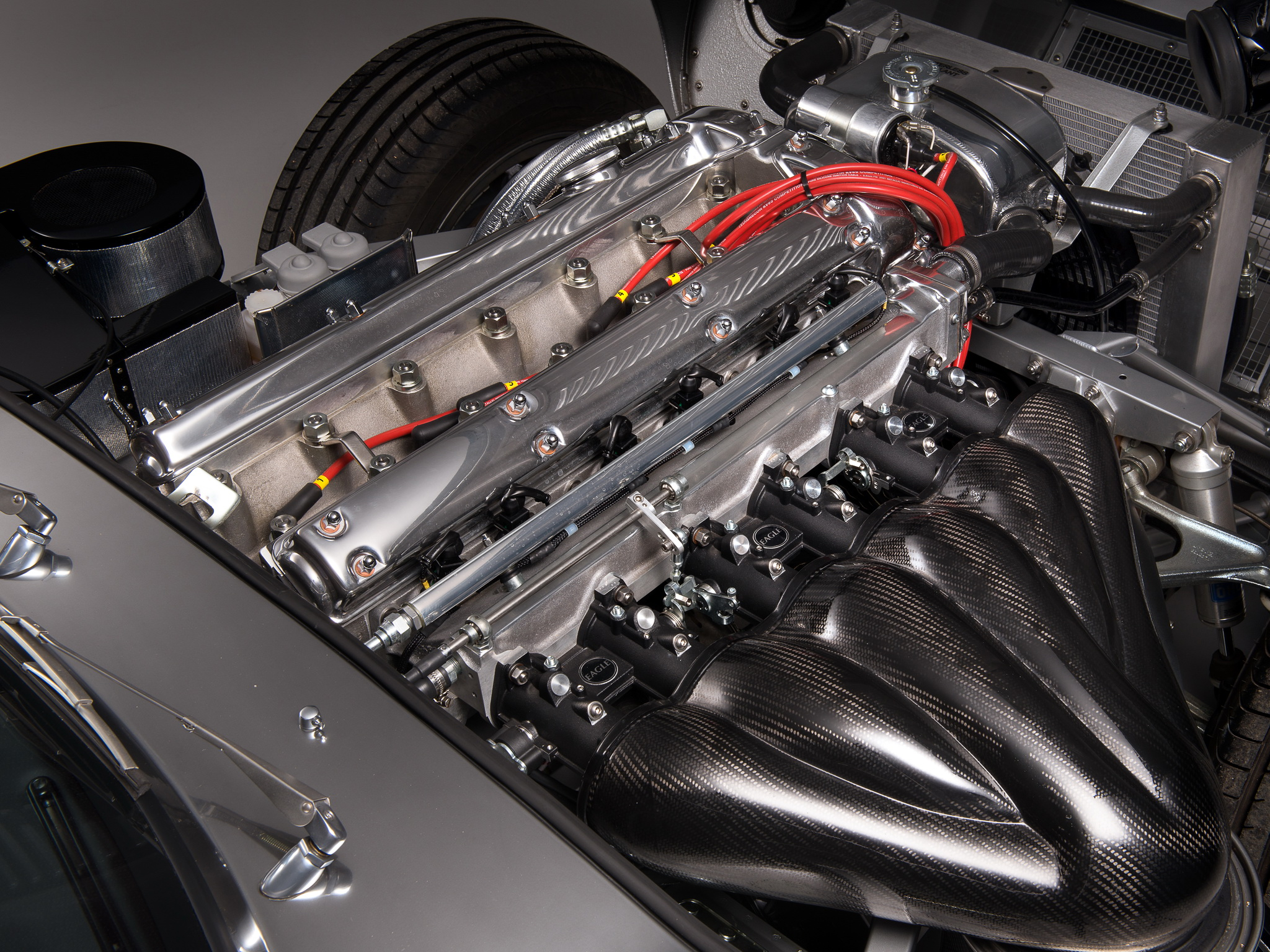 The 4.7 liter 6 cylinder engine of the Eagle. Hand built with the aesthetics of the old combined with twenty first century technology. (Picture courtesy of wallpaperup.com)