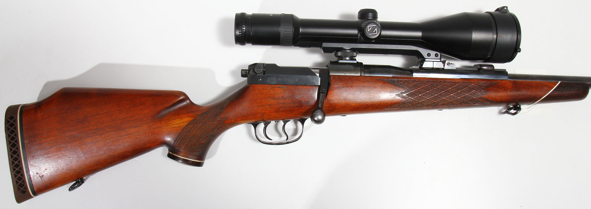The telescoping action of the Mauser 66 requires some variations in mounting a telescopic sight. It isn't difficult but does require specially designed mounts. (Picture courtesy waffen-faude.de)
