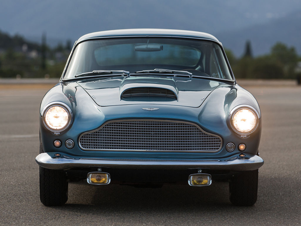 Front styling of the DB4 with the characteristic Aston Martin Grill with egg shell style. A British car with something of an Italian look.