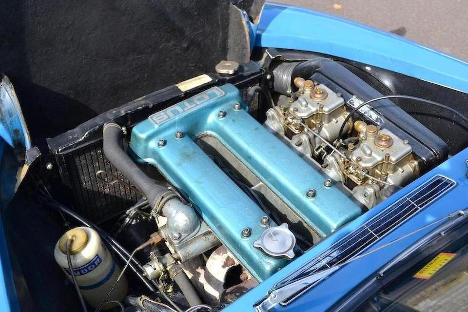 Twin overhead cam heavily modified 1498cc Ford engine with twin dual throat carburettors.