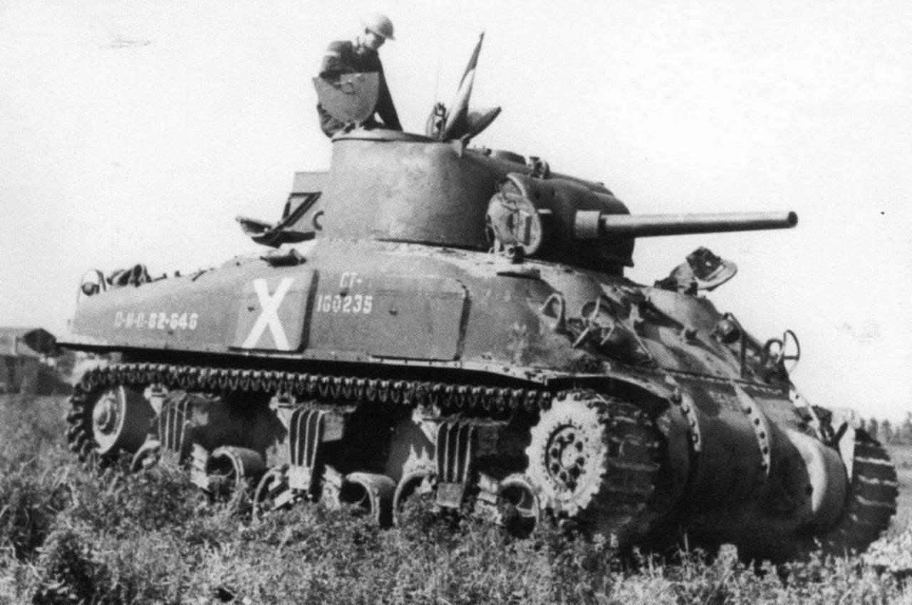 The Canadian Grizzly 1 also featured additional side armour. (Picture courtesy of panzerserra.blogspot.com).