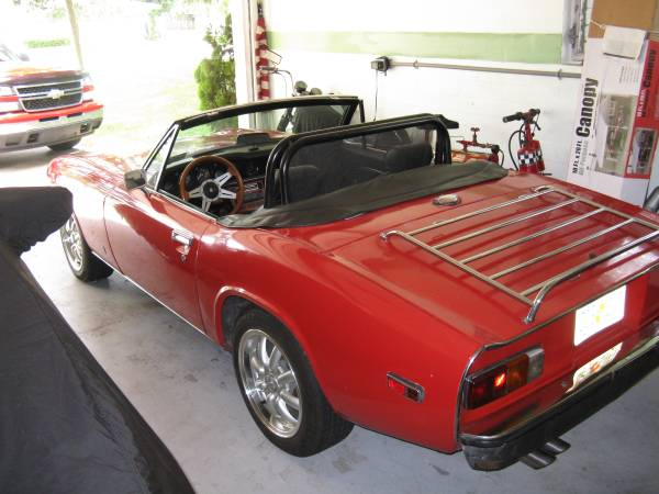 "The cockpit of the Jensen Healey is intentionally kept simple, even ""spartan"", and thus light and functional. (Picture courtesy of Craigslist)."