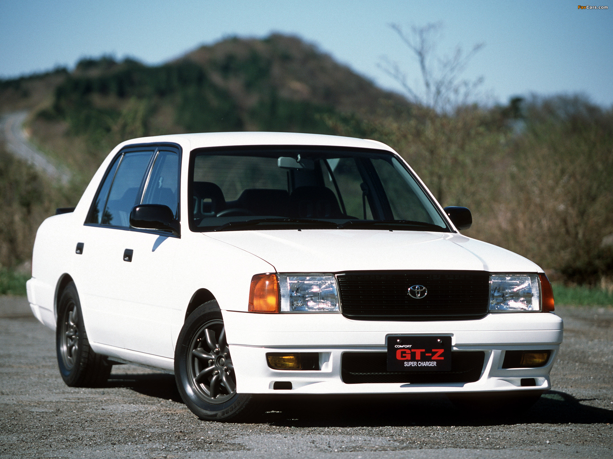 The Toyota Crown Comfort GT-Z, not just a taxi anymore. (Picture courtesy favcars.com)