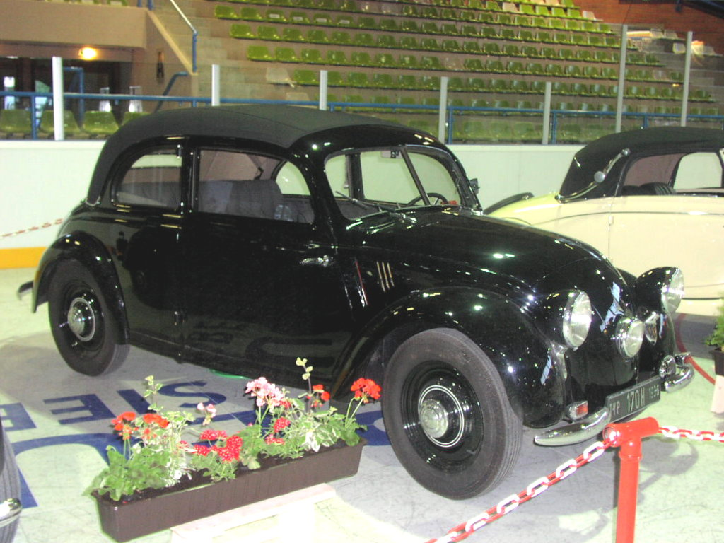 """The Mercedes-Benz 170H of 1934. Not exactly a """"People's Car"""" but looking rather like the Tatra and Volkswagen it was designed by Hans Ledwinka. (Picture courtesy wikimedia)."""
