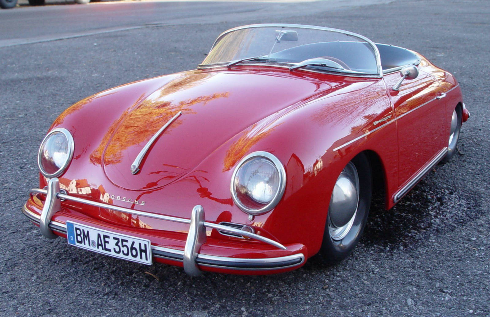 Porsche 356 Speedster, much like James Dean had, and Janis Joplin amongst others. (Picture courtesy zillioncars.com)