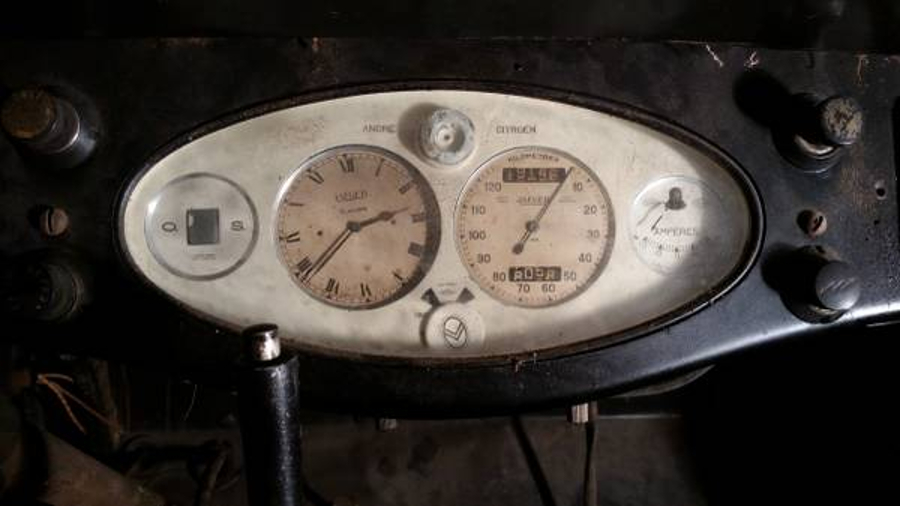 Instrumentation and controls look to be original and complete. (Picture courtesy Craigslist).