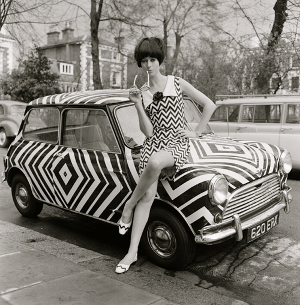 The original Morris Mini became a fashion icon of the Carnaby Street and Beatles era sixties. (Picture courtesy quattroruoteclassiche.it).