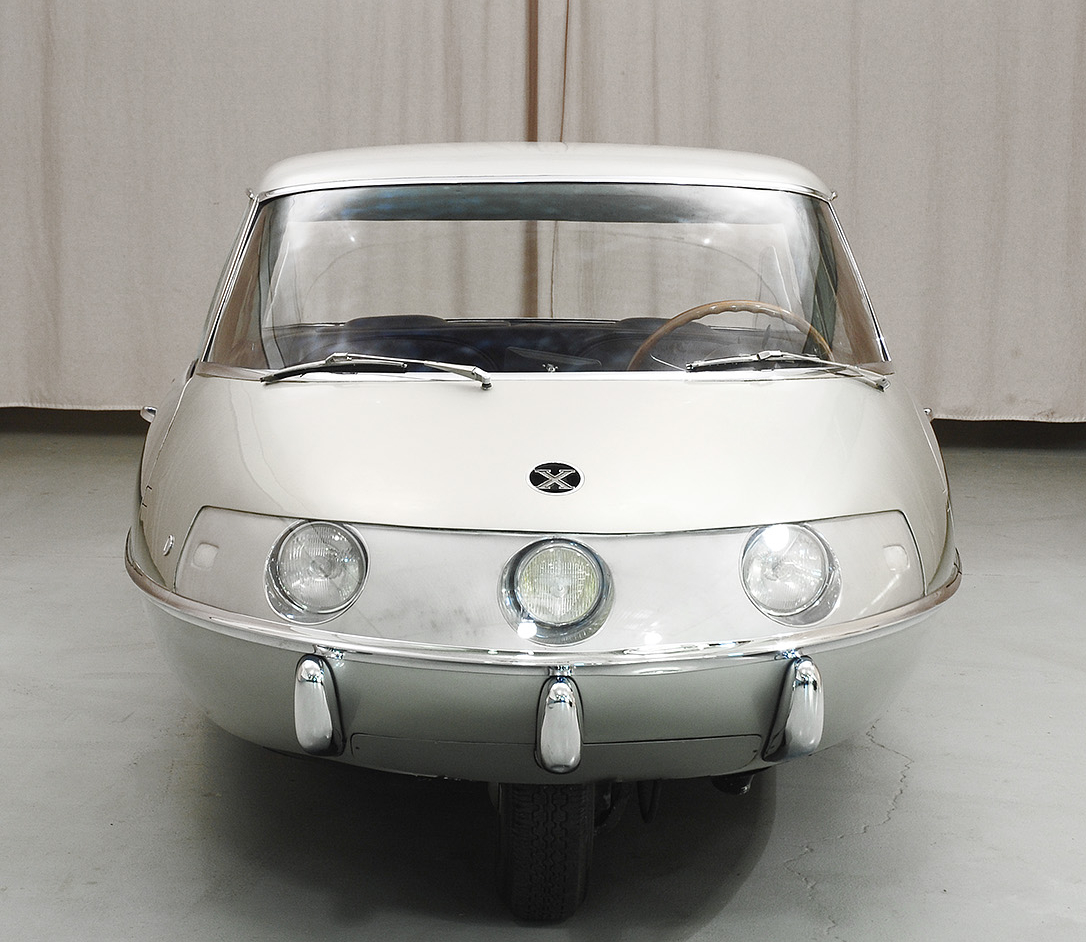With its simple aerodynamic shape the Pininfarina X attained a drag coefficient of .23. (Picture courtesy hymanltd.com).