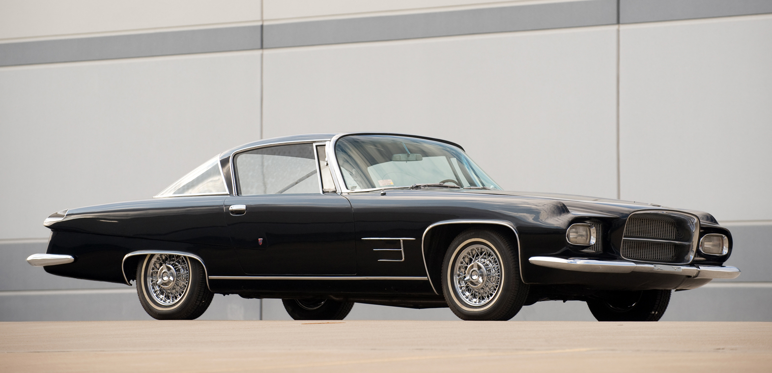 Entertainer Dean Martin's Dual Ghia L6.4. (Picture courtesy RM Auctions).