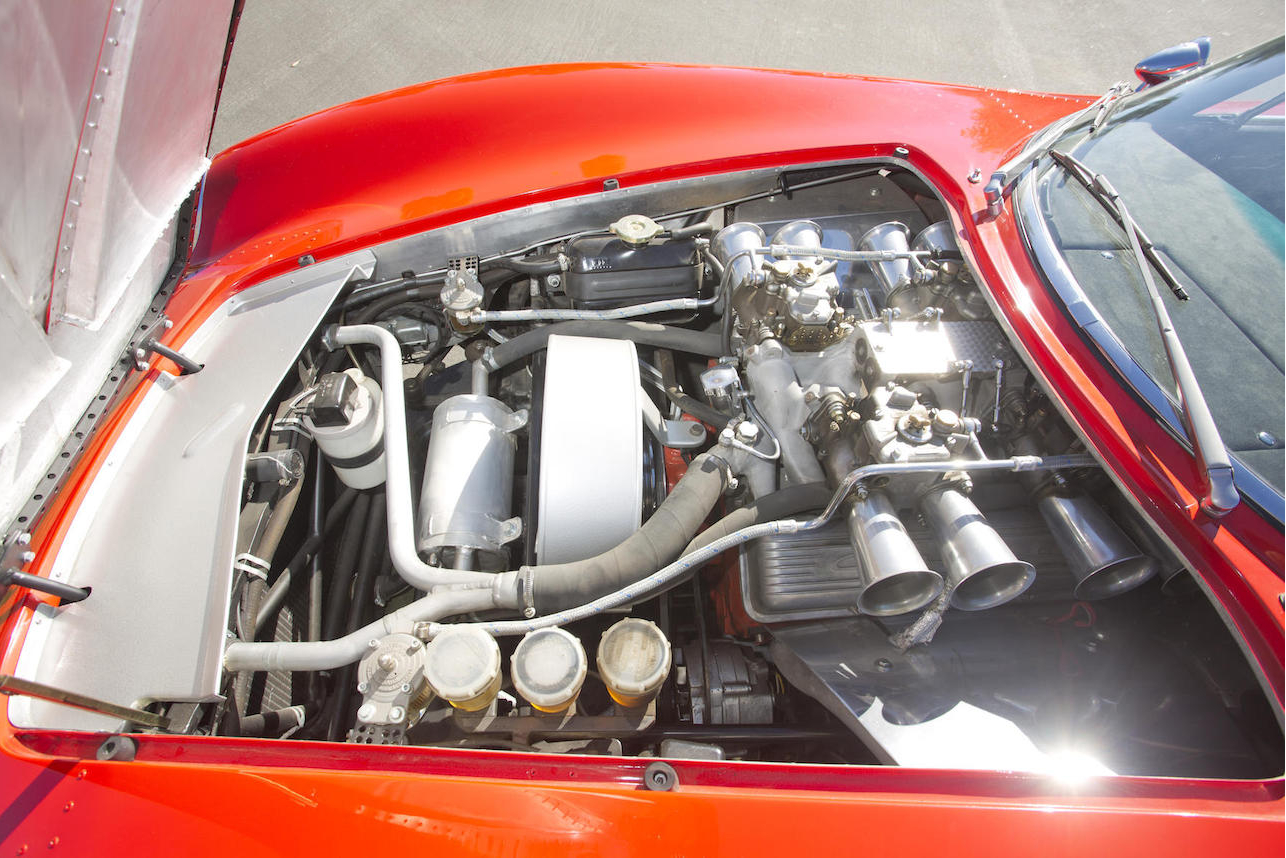 With the engine bay opened the mid-engine location of the 327ci Chevrolet V8 is immediately apparent. Picture courtesy Bonhams).