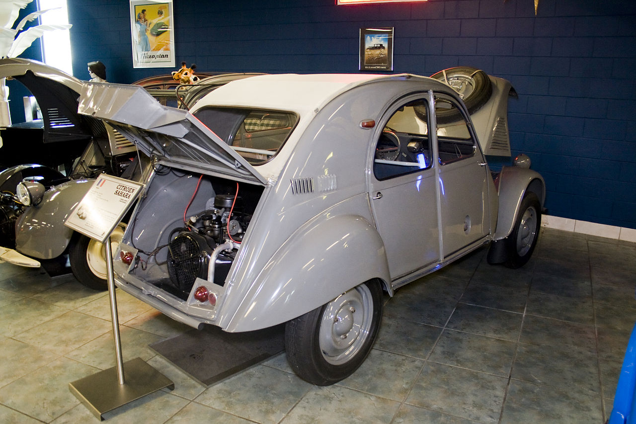 Citroën 2CV Sahara, engine in the back. (Picture courtesy Wikipedia).
