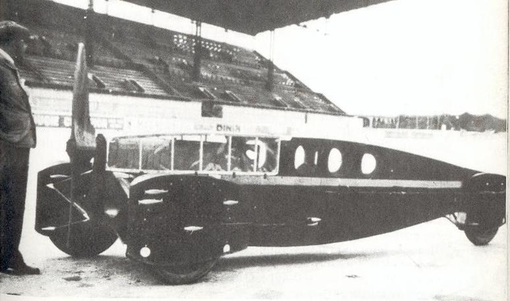 The Hélica that managed 106mph at Montlhéry in 1927. (picture courtesy helica.info).