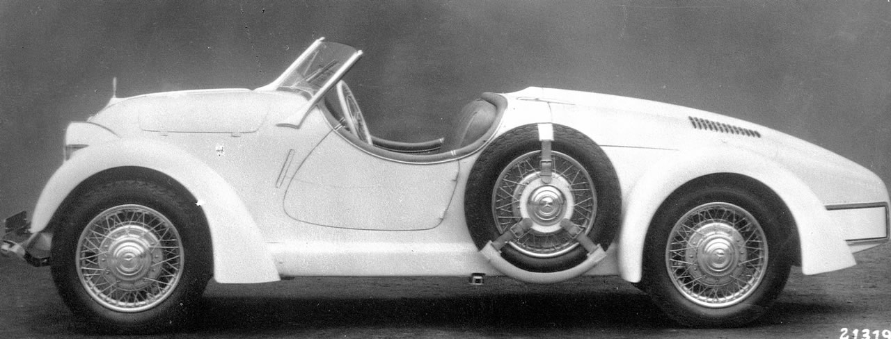 The Mercedes-Benz 150 Roadster. Only fourteen were made. The Duval style windscreen gives the car a sophisticated touch.
