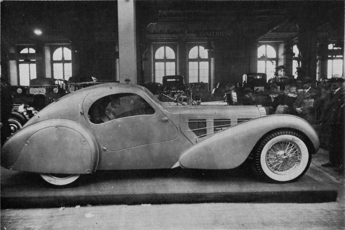 The design inspiration from the Bugatti Aerolithe is immediately apparent in the 4 Stroke Rumen. (Picture courtesy bugattibuilder.com)