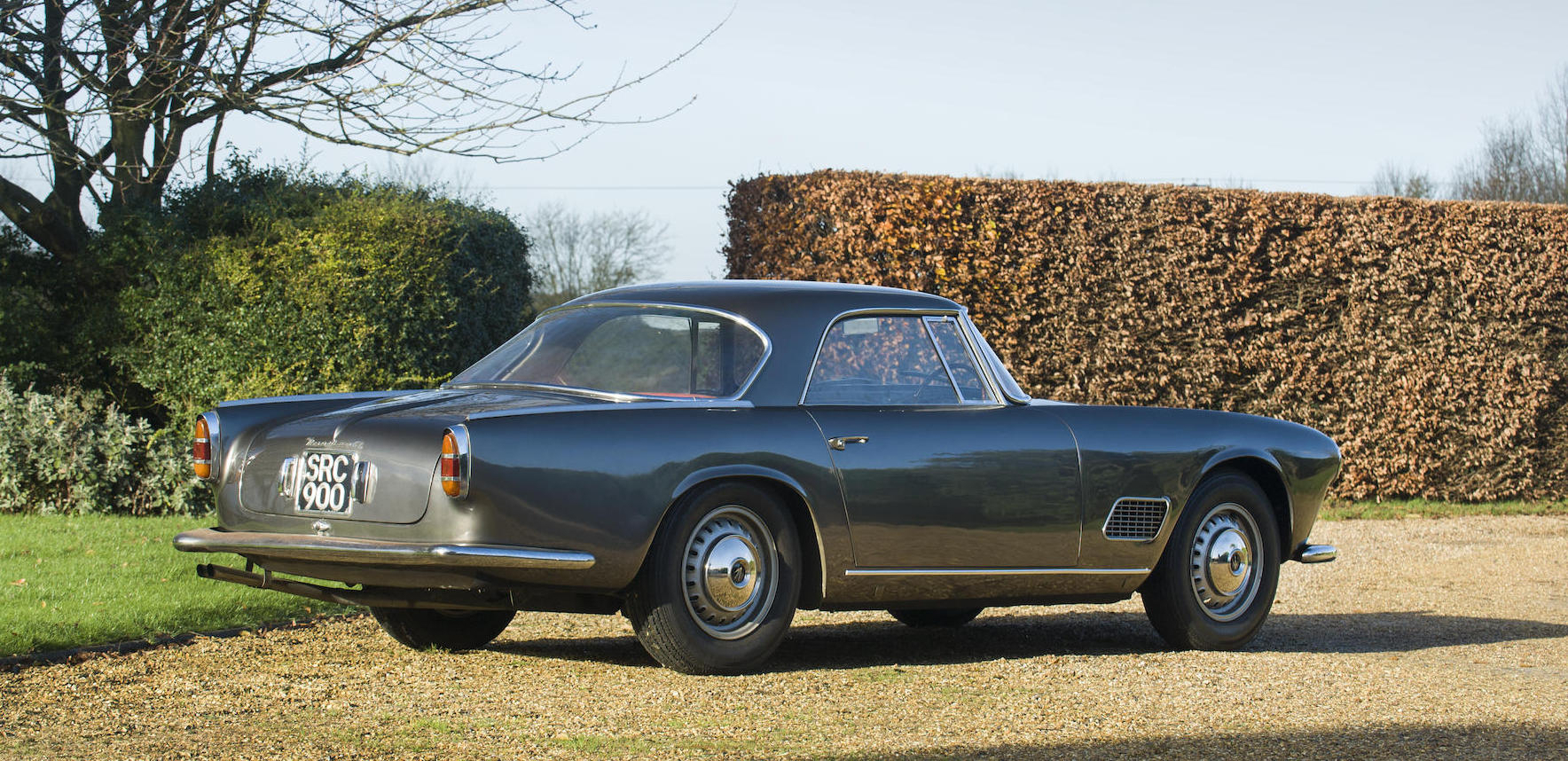 The Maserati 3500 GT Coupé has a Salisbury rear axle and Girling brakes. (Picture courtesy Bonhams).