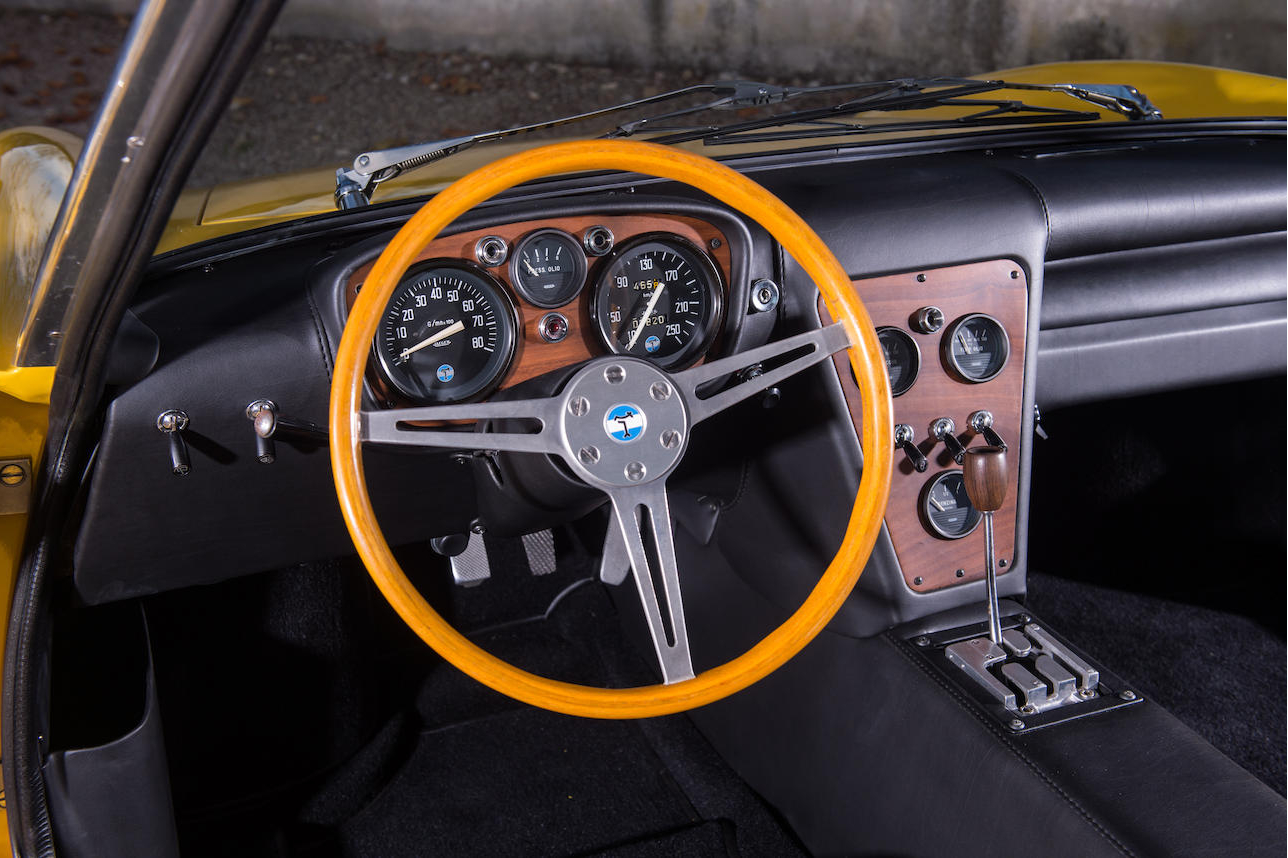 Alejandro De Tomaso was an accomplished racing driver and he understood what GT driver's want. The cockpit of the Vallelunga reflects this. (Picture courtesy Bonhams).