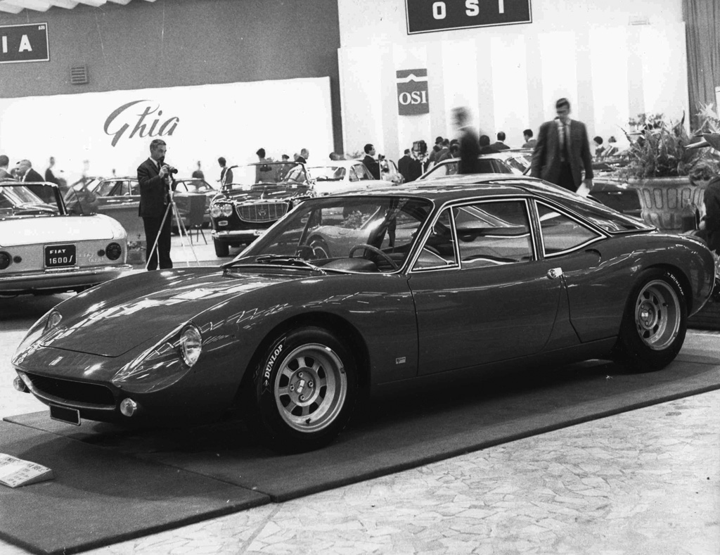 The De Tomaso Vallelunga Coupé at the 1964 Turin Motor Show. (Picture courtesy carbuildindex.com)