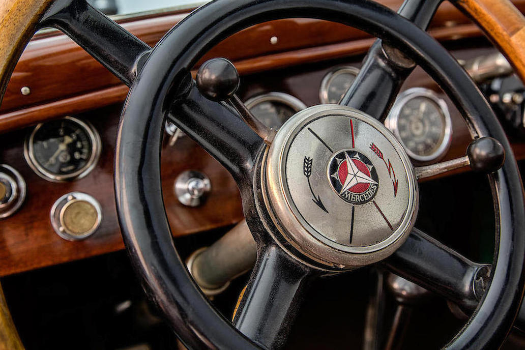 The controls to engage and disengage the supercharger are conveniently located on the steering wheel and clearly labeled. (Picture courtesy Bonhams).