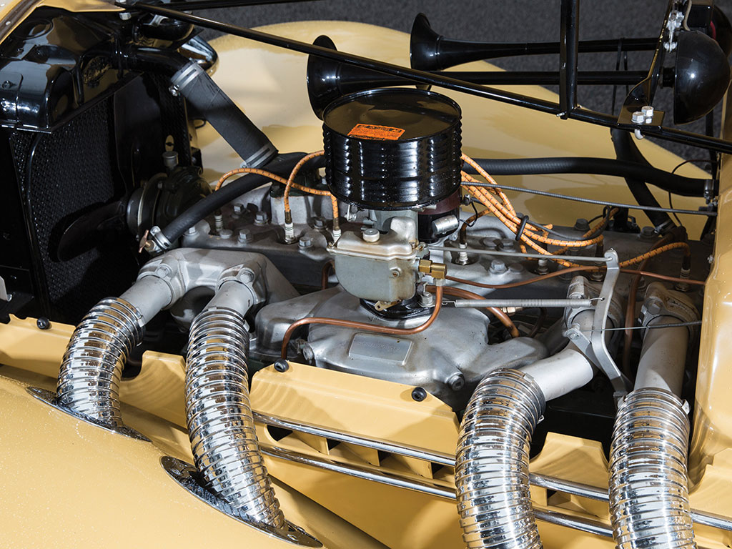 The Auburn Supercharged Speedster's straight eight side valve engine featured a single non-pressurised Strombreg downdraft carburettor sitting on top of a Schweitzer-Cummins centrifugal supercharger. (Picture courtesy RM Sotherby's).