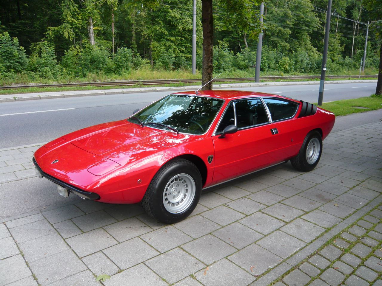 This is how the barn find car could look after a competent restoration. (Picture courtesy lambo.dk).