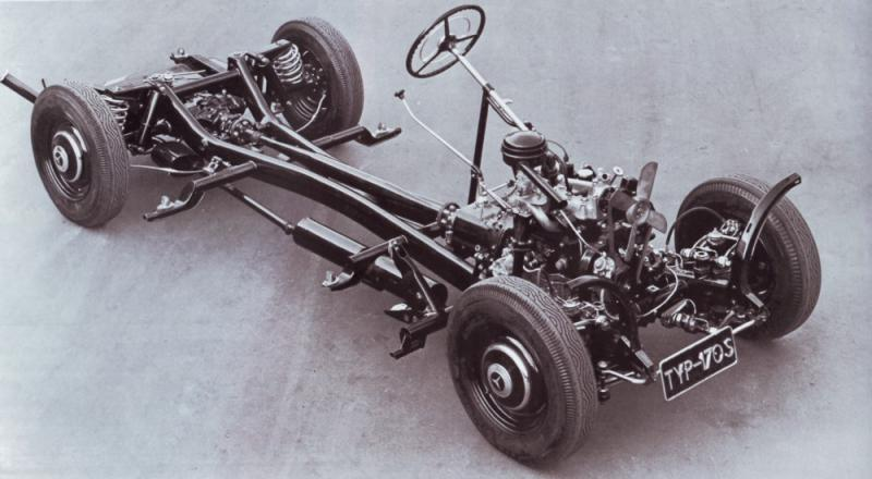 Comparison of this chassis of the 170V with the single tube backbone chassis of the 130, 150 and 170H illustrates chief engineer Hans Nibel's blending of older conventional ideas with the Porsche/Ledwinka improvements. (Picture courtesy benzworld.org).