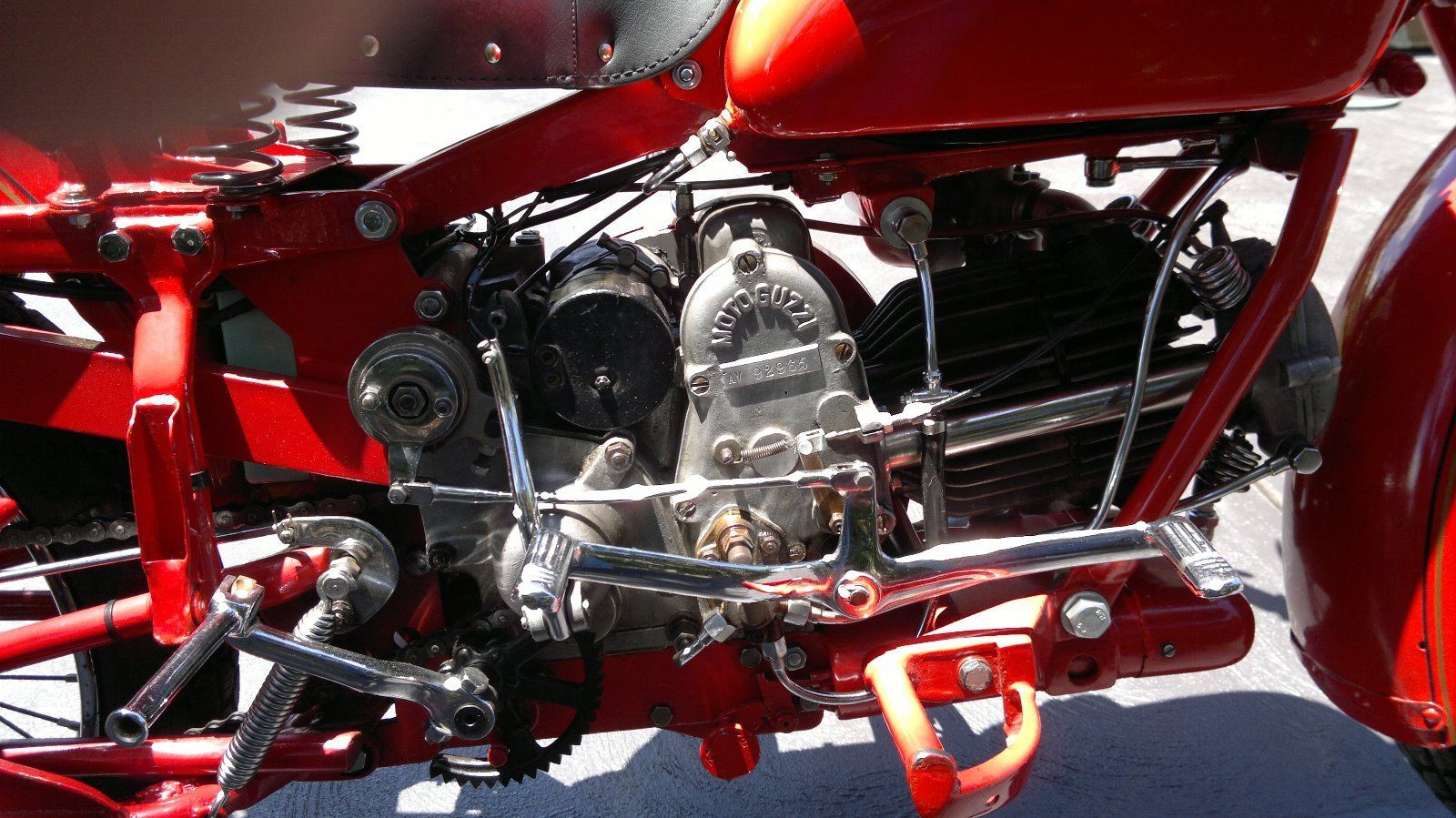 The 500cc motor lays forwards to ensure good cooling at the cylinder head. (Picture courtesy eBay).