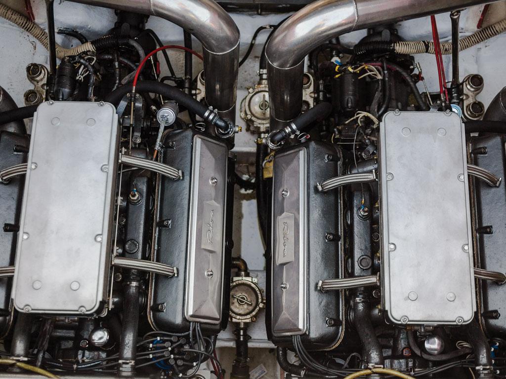 Riva Ferrari 32_003