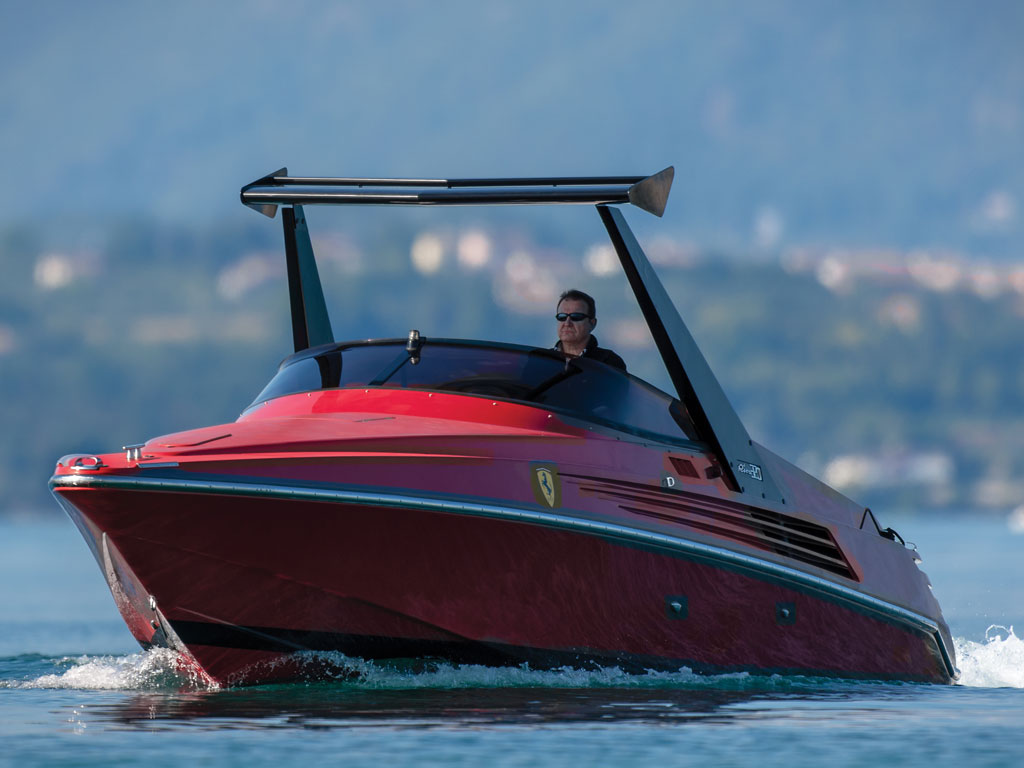 Riva Ferrari 32_020