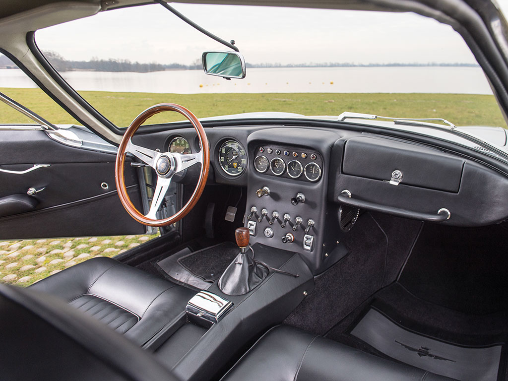 For classic sports car cockpits it just doesn't get any better than this.
