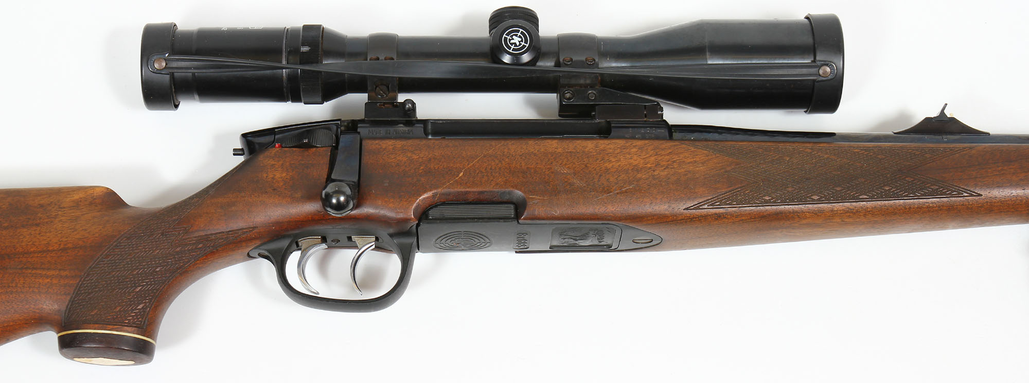 The Steyr-Mannlicher that appeared in 1973 as the replacement for the classic Mannlicher-Schönauer had a plastic magazine and plastic trigger guard assembly. (Picture courtesy waffen-faude.de)