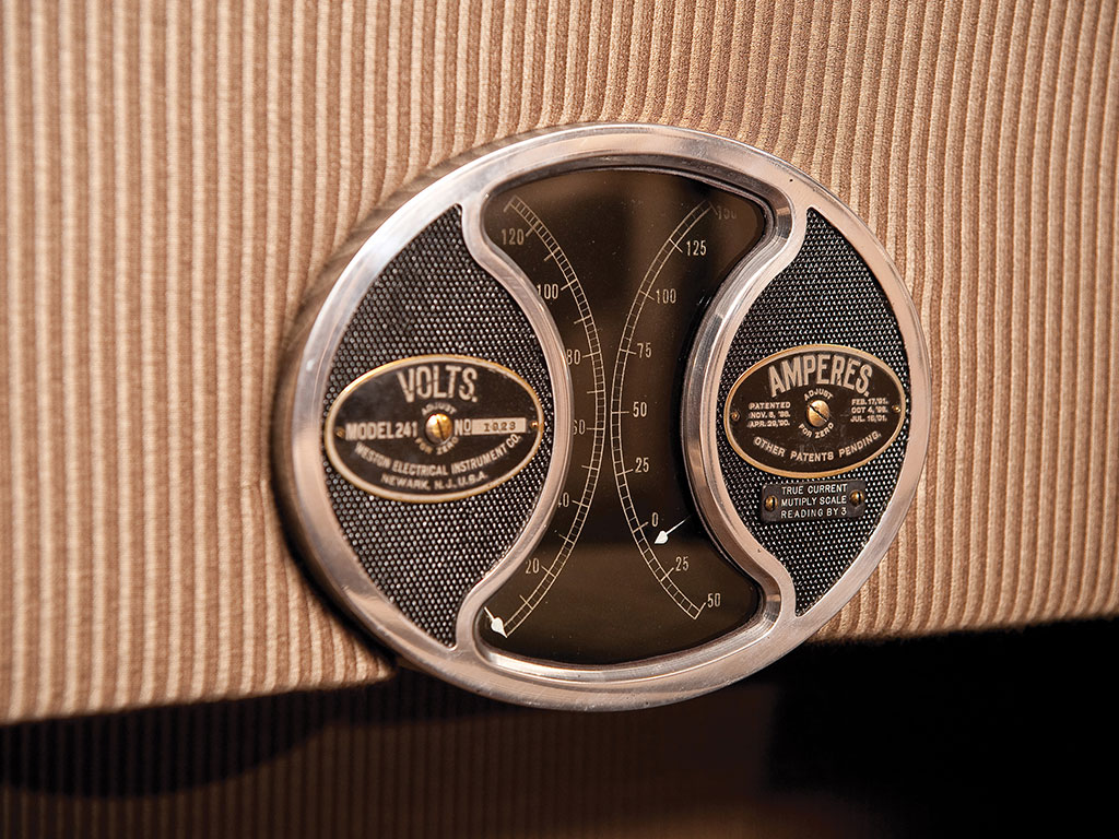 Dashboard instrumentation is kept simple yet refined. (Picture courtesy RM Sotheby's).