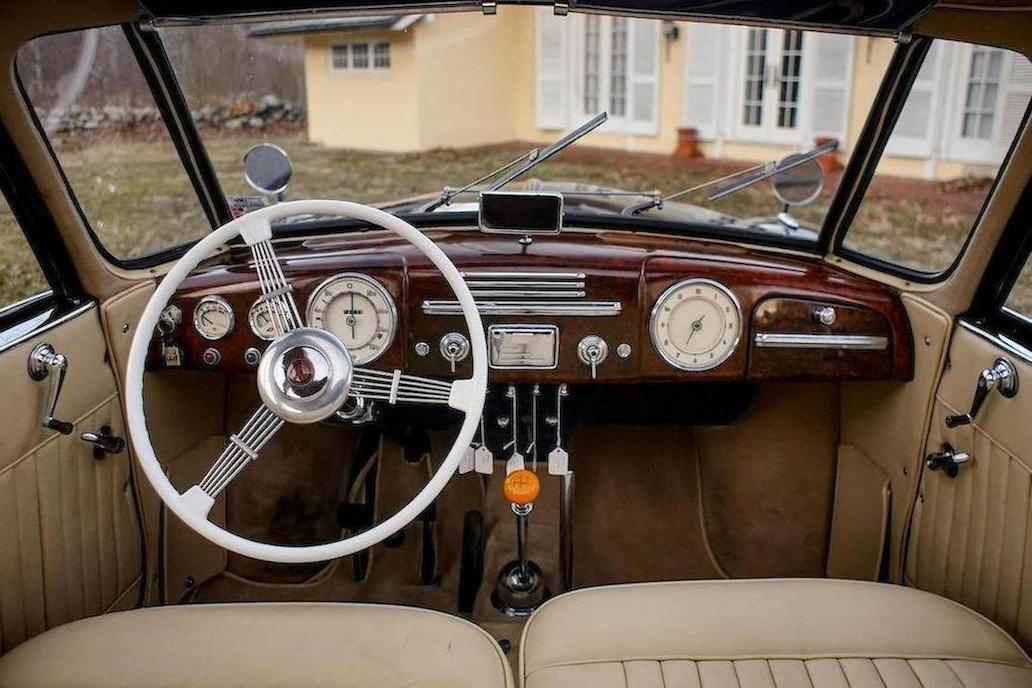 The interior of the Tatra 87 is well laid out and inspires the driver to enjoy the driving experience.