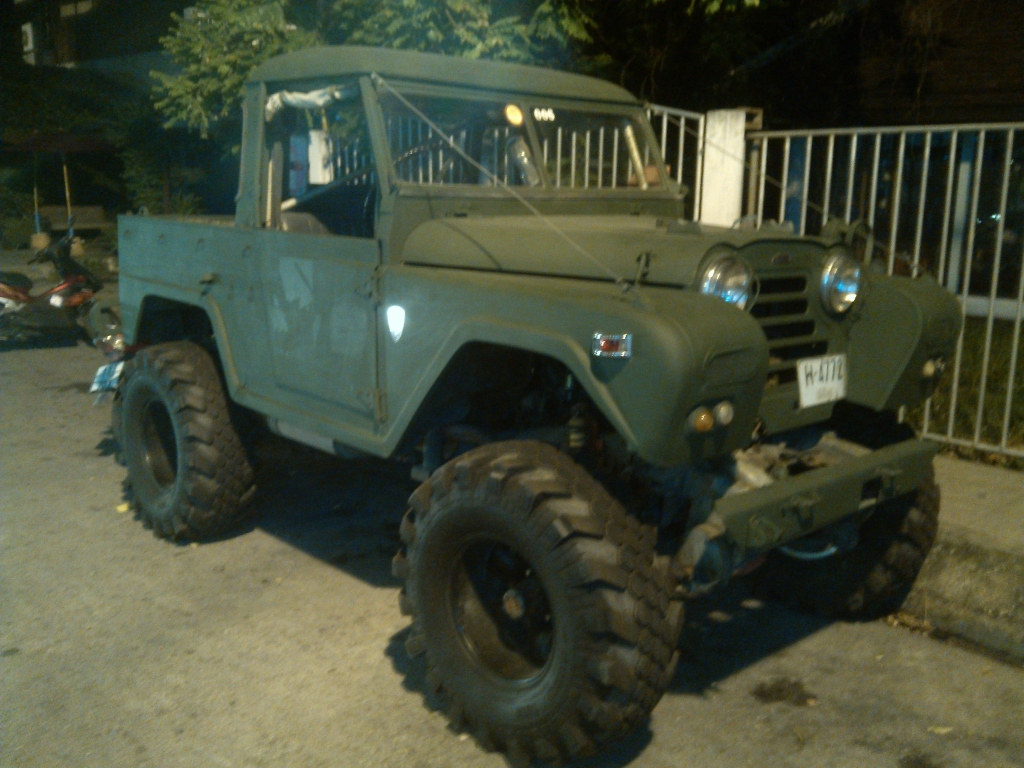 A somewhat modified Austin Gipsy with Superstone Crocodile Tires seen in northern Thailand near the border with Myanmar (Burma). (Picture courtesy Curt's 97 @ pirate4x4.com).