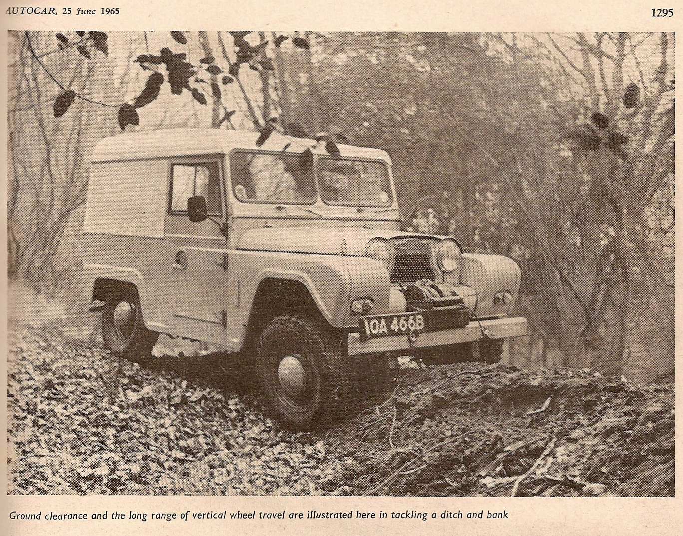As can be seen by the angles of the front and rear wheels the Austin Gipsy had a fully independent suspension front and rear. (Picture courtesy Autocar and austingipsy.net).