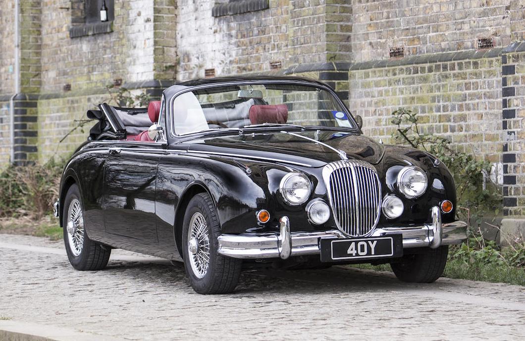 Daimler V8 250 By Vicarage Revivaler
