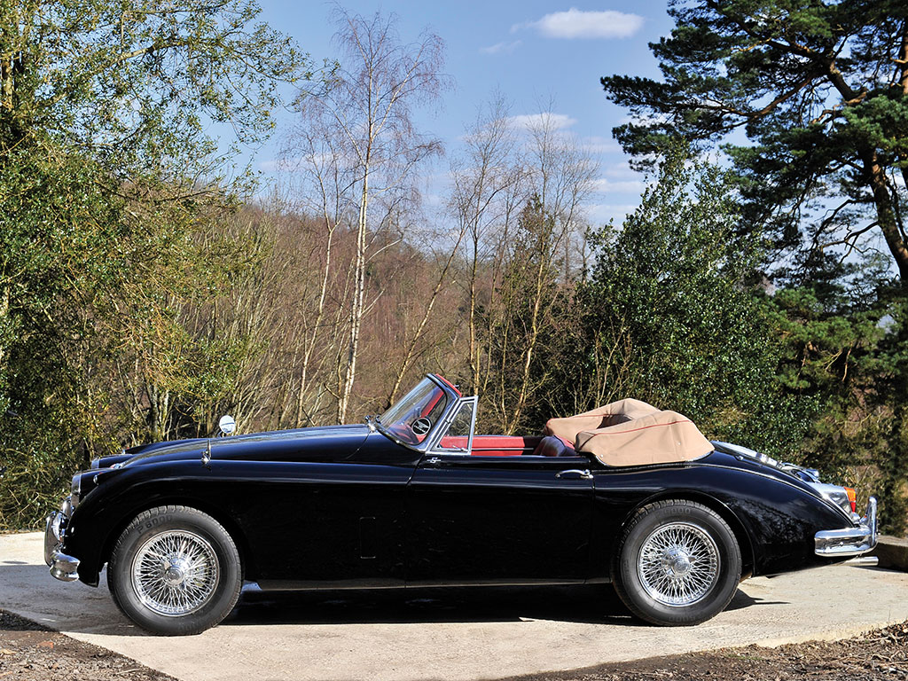 The XK 150 S gets far closer to the performance of the E Type than might be expected from its appearance.