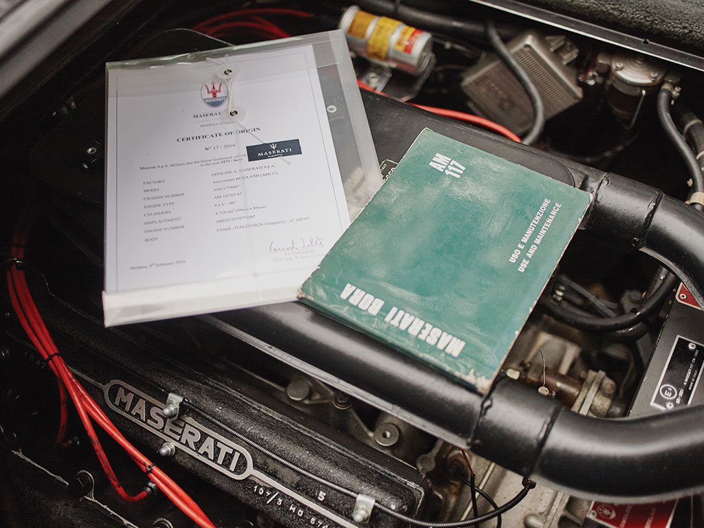 The car comes with its original documentation.