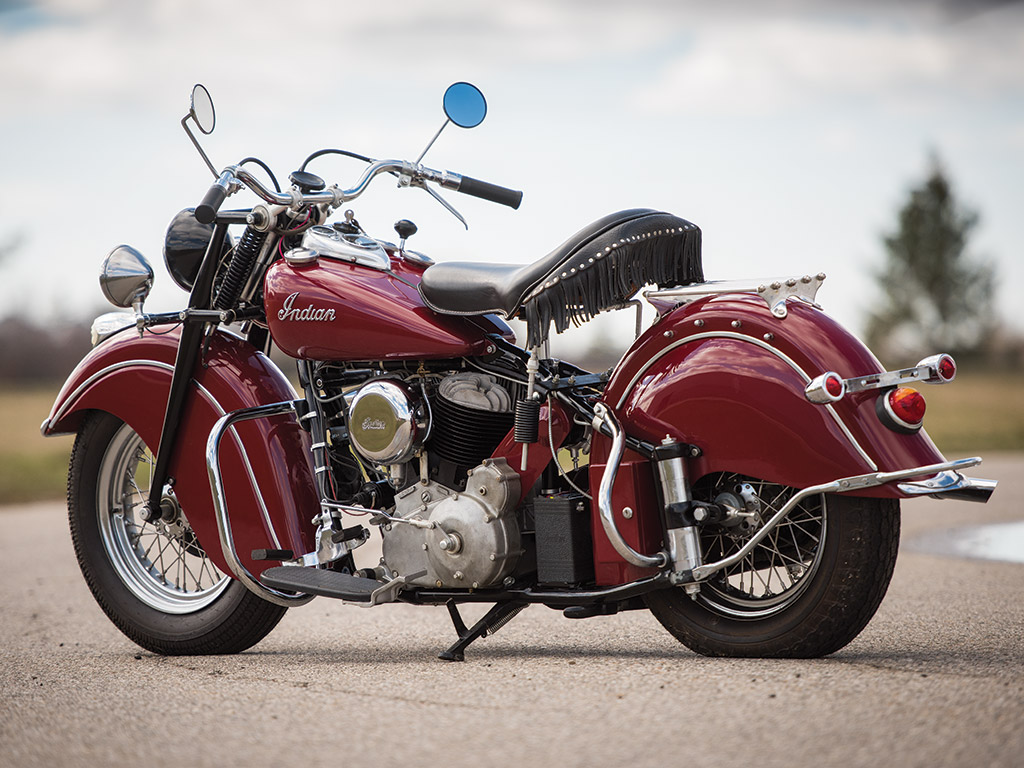 The Indian Chief Roadmaster was the top of the line motorcycle with many factory options fitted as standard equipment.