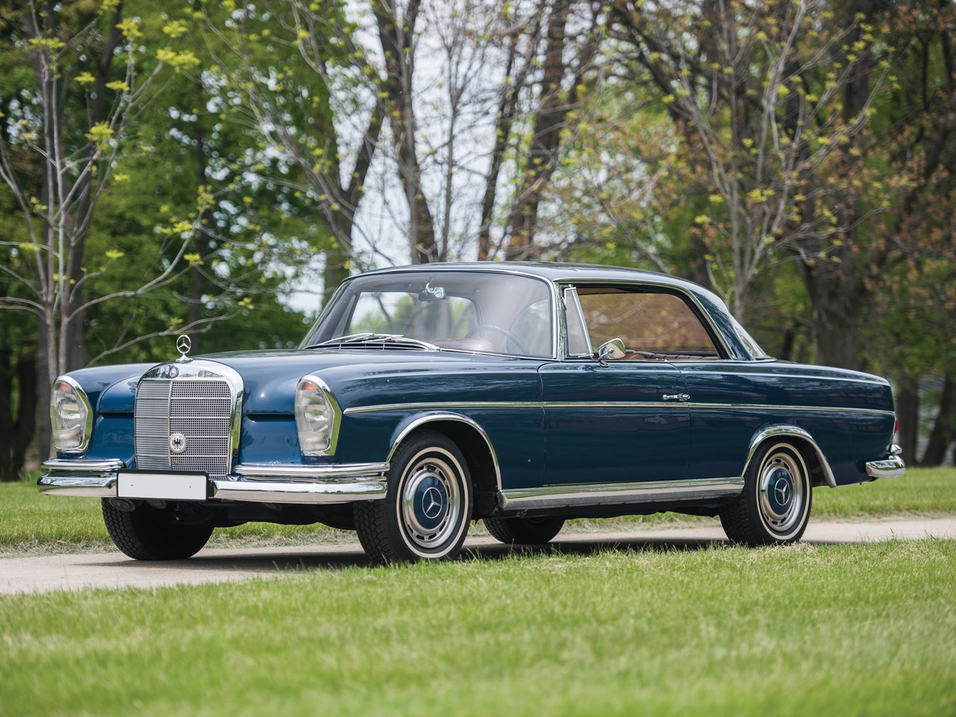 This 1965 Mercedes-Benz 300 SE coupé possesses a clean and unmistakably classic Mercedes-Benz look.