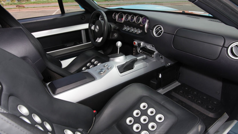 The interior of the 2006 Ford GT Heritage Edition is rather more refined than that of the original GT40.