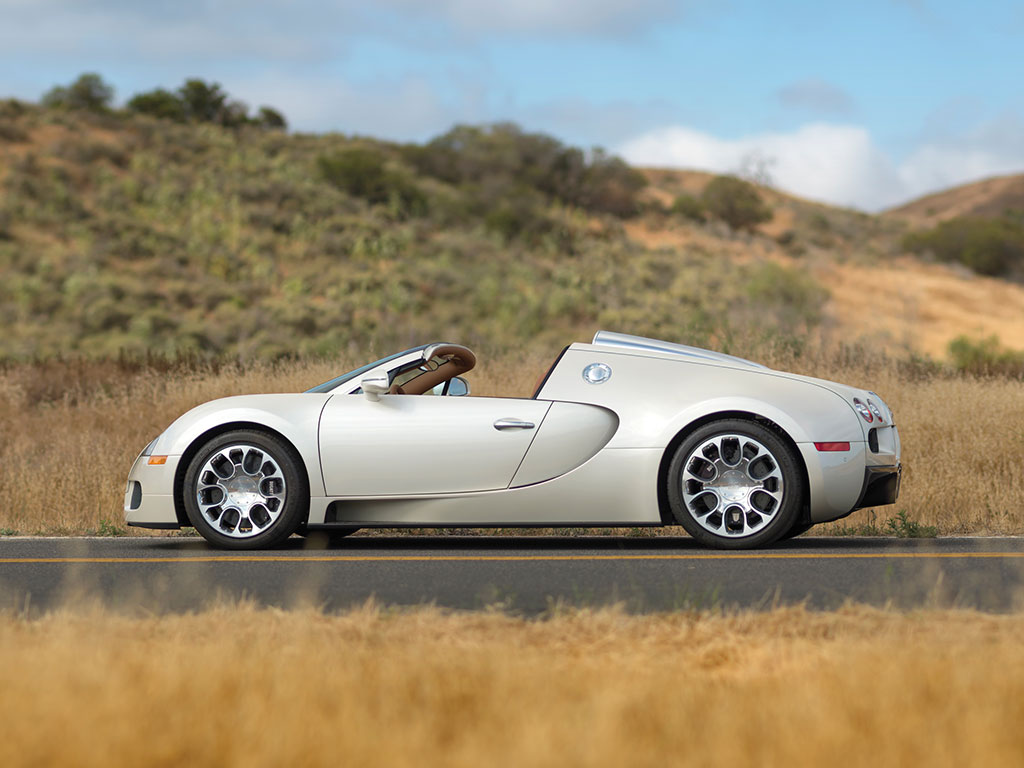 The convertible roadster version of the Veyron has a slightly taller windscreen than the coupé. (Picture courtesy RM Sotheby's).