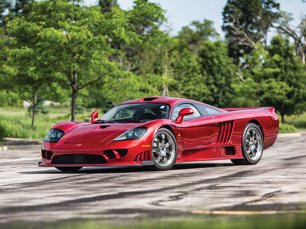 Aesthetics of the Saleen S7 are uncompromisingly functional, aerodynamics first, style second, and it works.