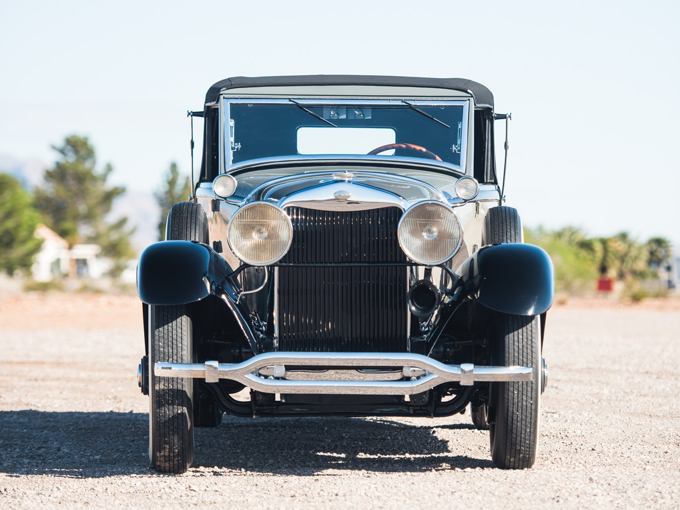 Dignified, yet with a sporting flair. This was a stylish motor car.